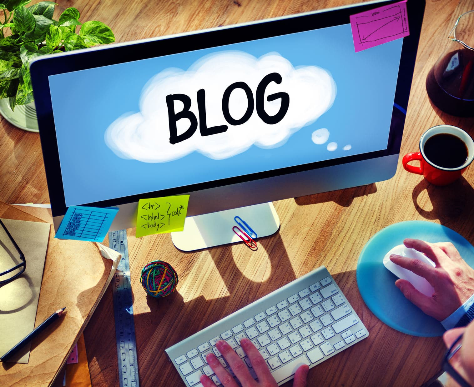 WHY YOU SHOULD BE BLOGGING IN 2016